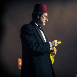 David Threlfall as Tommy Cooper / Credit: ITV