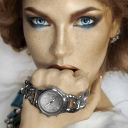 Seasonal and stylish winter watches for ladies