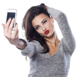 Nearly 30% of people admit to taking 5 selfies a day