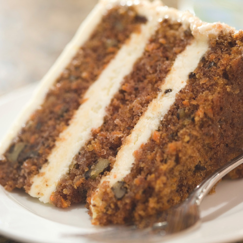 ZESTY CHRISTMAS CARROT CAKE